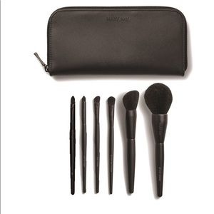 Mary Kay Makeup - Mary Kay 5 Piece Travel Brushes Set